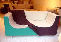 ソファを包むカバー素材